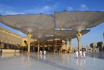 Medina Haram Retractable Umbrella / A total of 143,000 square meters of SEFAR® Architecture's PTFE fabric ensure plenty of shade for pilgrims to the Medina Haram Piazza in Medina, Saudi Arabia. Since September 2010, a total of 250 umbrellas, each with a surface area of 25.5 x 25.5 meters (when open) and 15 meters high, have been installed in the area surrounding the mosque in Medina al-Munawwarah.