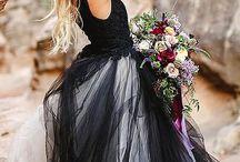svart og hvit brudekjole