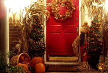 Fall/Thanksgiving Decor / by Leslie Grove
