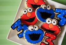 Elmo Party / by TinyPrintables .com