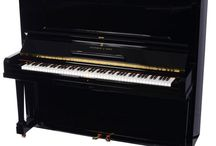 Pianos We Love / Here, this is all about pianos we love!