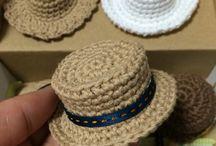 Háčkované kloboučky
