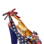 I love Shoes / by Donna Dearing