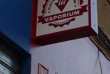 Cigarrillos electronicos Valencia,tienda Vaporium Nazaret / Información Cigarrillos Electrónicos en Valencia Descripción Cigarrillos electrónicos Valencia - Vaporium Tienda en Nazaret calle Mayor 96 Valencia Cigarrillos electrónicos,materiales de repuestos, accesorios y todo relacionado con el mundo de Vapeo. Mas informacion y contacto Email: tienda@vaporium.es Tel: 678 907 057 Visítenos en https://www.vaporium.es/