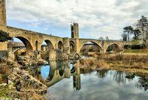 Besalú y su Puente Medieval. Girona / Photo Travel History Art Architecture Archaeology Fotografía Viajes Historia Arte Arquitectura Arqueología