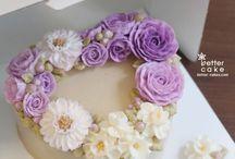 Torturi decorate cu flori crema de unt
