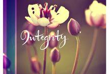 18 itys = Integrity (afgestemdheid) / Integrity Dit is de ity waar je de losse eindjes van je karakter aan elkaar knoopt. Integer zijn betekent dat alle lagen van je karakter en je persoon op elkaar zijn afgestemd. Wat je doet en wat je zegt, is liefdevol en betrouwbaar omdat je een innerlijk kompas hebt waarop je kunt varen.