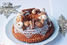 ♡  CHRISTMAS CAKES IDEAS / Idées  Gâteau de Noël ♡ / Joyeux Noel  Les Blogueurs et patissiers ! J'ai voulu creer ce tableau pour ne pas rater une miette de vos creations culinaires de Noel. Aussi, Je vous invite a poster vos idées de recettes de desserts Noel et realisations sur ce tableau afin que nous puissions nous emerveiller devant vos gateaux et biscuits.   xoxo La pin-up patissiere