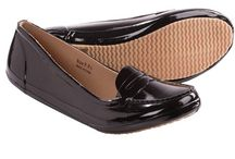 Surell Accessories | Surell's Shoes / Surell Accessories women's shoes are made from the finest quality materials. Whether you need ballet flats for work or casual flats for the weekend, Surell has something for every style and budget.