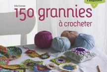 Livres et magazines de tricot ou de crochet / Pour apprendre à tricoter ou à crocheter, ou chercher des inspirations, venez voir dans notre librairie
