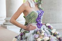 Flowers in Hair and Beauty / Flowers, fashion, hair and beauty go together seamlessly. Our Hair and Beauty Board is filled with stunning Haute Couture designs from critically acclaimed floral designers as well as beautiful flower hair ideas.