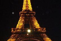 """Paris - França   France / Paris é conhecida como a """"Cidade Luz"""" e como a capital do mundo da moda. O centro de Paris abriga os monumentos mais visitados da cidade, como a Catedral de Notre Dame, o Museu do Louvre, a Torre Eiffel e o Arco do Triunfo // Paris is well known as the """"City of Lights"""" and as the fashion design capital of the world. The centre of Paris has the most visited landmarks in the city, including the Notre Dame Cathedral, Louvre Museum, Eiffel Tower and the Arc of Triumph."""
