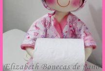 Muñeca para papel rollo