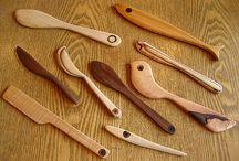 Trä: skedar, knivar och annat täljt