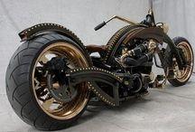 2 wheels  / by Miriam Snoodijk
