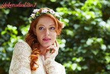 Boho Hippie Hochzeit - Braut, Bride / Blumig romantisch vintage retro - Kopfschmuck für die Braut - Hochzeitsschmuck mit Blumen, Blüten z.B. die Boho Hippie Braut individuell und außergewöhnlich ... und drumherum alles irgendwie anders Blumenkränze, BrautHaarschmuck, FlowerCrowns, Bridal Tiara, Blumenhaarreif, Blumenhaarband, Blumenkranz, Fascinator, Headpiece