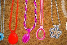 Gyöngy alkotásaim / Még gyerekként kezdtem gyöngyöt fűzni és nagyon megszerettem a kreativitás ezen formáját. :)