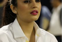Huma Qureshi / Huma Qureshi is an Indian actress who mainly works in Hindi cinema. She worked as a theatre actor and model before beginning her film career.