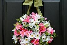 Wreathes & Mobiles! / by Debbie Bethurum