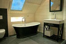 Landelijke badkamers / Bij Paul Roescher heeft u een ruime keuze uit landelijke badkamers. De landelijke badkamer staat bekend om zijn ruimtelijke inrichting en authentieke afwerking, een zeer populaire badkamerstijl. De warme kleurencombinaties en sfeervolle inrichting maken de landelijke badkamer een goede keus.