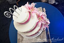 Blue Moon Floral Wedding Cakes / Floral wedding cake accents can bring your special cake to the next level! Talk to us about what we can do to create your dream cake!