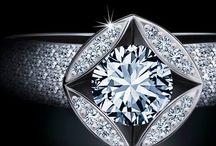 Banner Bellaluce / Bellaluce ist ganz besonderer Diamantschmuck - die Diamanten sind in Brillantform geschliffen. Schmuck, der stilvoll und zeitlos ist. Passend zu jedem Anlass - ob an glamourösen Abenden oder im Alltag. Besuchen sie www.bellaluce.de und entdecken Sie Ihr persönliches bellaluce-Schmuckstück. Diamantschmuck - das ideale Weihnachtsgeschenk für Ihre Liebsten.