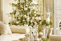 Amazing Christmas trees / by Brandi Stallings