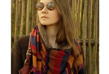 Knitted fringe scarf striped