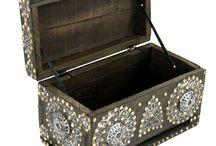 Boxes and small boxes (Pudełka i szkatułki) / Mniejsze i większe pojemniki do przechowywania róznych różności