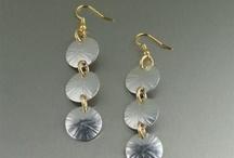handmade jewelry i love / by Nelle Branford