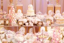 Marie Antoinette Style Wedding / Romantic and sophisticated, warm pastel color palette, luxurious candy-desert bar, golden accents, tea shade roses, golden-pink textiles. Palace Žofín Praha