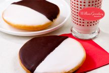 Holiday Desserts / If ever there were a month for sweet celebrations, December is it!  The warm, memory-invoking spices of Christmas . . . the ever popular jelly donuts of Chanukah . . . lots of special National Dessert Days, too!  Enjoy it all in the best of taste with William Greenberg Desserts!