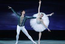 """""""El Lago de los Cisnes"""" de #Tchaikovsky en la emblemática Ópera Estatal de #Viena / El clásico ballet de Pyotr Ilyich Tchaikovsky se estrenará este domingo 16 de marzo y se extenderá hasta el 26 de abril en la  Ópera Estatal de Viena, en Austria."""