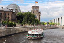 Sightseeing Spreetour durch Berlin / Berlins lebendige Geschichte mit unseren beliebten Schifffahrten erleben. Berlin mit unseren Sightseeing Spreetour entdecken.