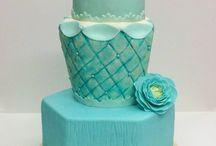 IsaSweet / Descubre el mundo de IsaSweet, tartas personalizadas y de diseño para todos tus eventos. Has feliz a las personas que amas con estos dulces placeres.