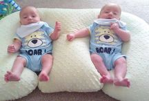 Twins pillow and twins babies / Cute twins pillows