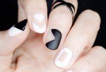 Manicures // Black & White