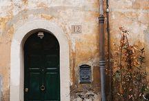 Piccole case e Abbaini