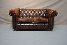 Chesterfield et mobilier en vente chez helen antiquités