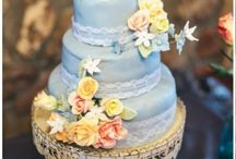 Wedding Cake Love / Gorgeous Wedding Cakes / by The Budget Savvy Bride