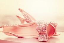 Pink / by Hazal Altun