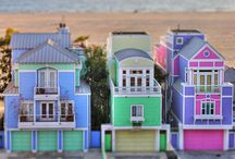 HOUSES / by Dina de Santiago