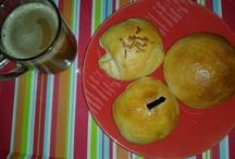 Fresh from d oven / Homebake cupcakes and Handmade fondant topper . Add me on IG --> @kedai_miktam