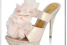 Stunning Bridal Shoes / by Simply Events: Full Service Event Planning