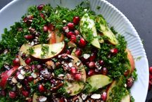 Salad / #kale #pomegranate #apple