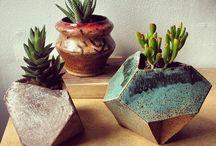 Blomsterpotter i keramikk .Planters