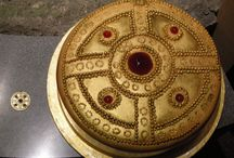 Museum Cake Day - Edible Archaeology / June the 19th has been declared Museum Cake Day, a theme started by Culture Themes, which encourages Museums to share their images of cake: cake in art, cake as art, cakes used for museum party cake, or anything else just as long as it involves cake. Our cake is based on a rare and beautiful gold Anglo-Saxon pendant on display in our Saxon gallery.