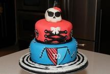 Lulu's Lovely Cakes / Here I share fondant cake I design.  / by Vanessa Rufino Jubis