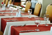 Poly Cotton Twill / Premier Poly Cotton twill is an excellent fabric used by professional linen rental companies and fine dining establishments. The best of both worlds. Softness o
