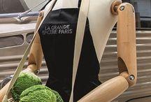 La Place du Marché / La Place du Marché trône au milieu du magasin pour magnifier un arrivage permanent de fruits et légumes frais, favorisant les circuits courts et les producteurs français. Savourez ce retour aux sources, dans une théâtralisation d'exception.
